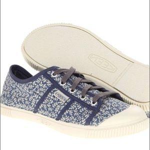 KEEN Women's Maderas Oxford Shoe, Blue Indigo